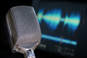 MIC AND WAVEFORM shutterstock_53833870